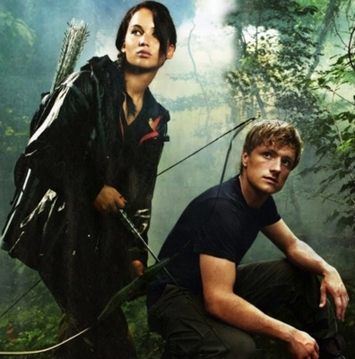 Katniss_&_Peeta_in_the_arena_promo