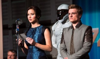 The-Hunger-Games-Catching-Fire-Katniss-and-Peeta-header-550x325